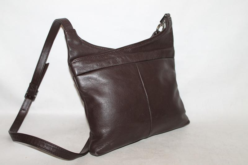 Кожаная сумка через плечо от marks&spenser 100% натуральная кожа