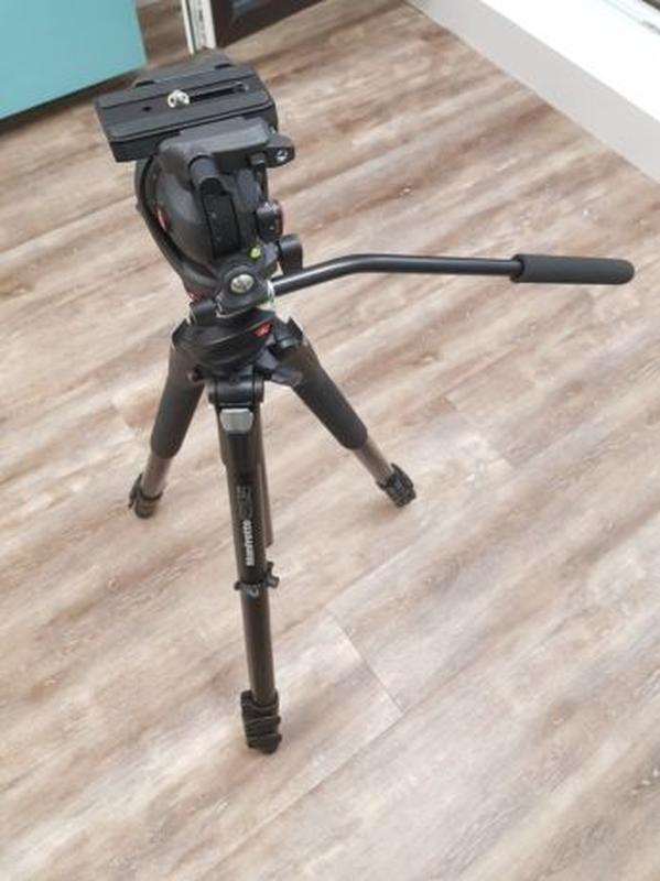 Штатив Manfrotto 055XPROB, фото/видео голова MH055M8, сумка MB...