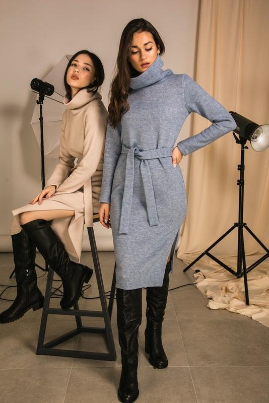 Теплое миди платье с поясом