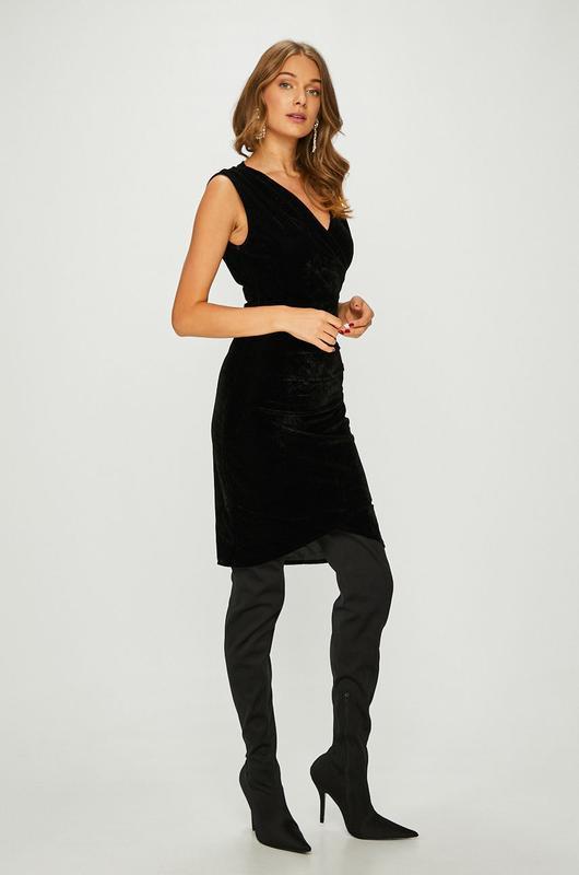 Черное вечернее платье бархатное с чашками v-образным вырезом ...