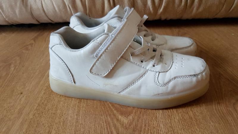 Белые кроссовки (0315)