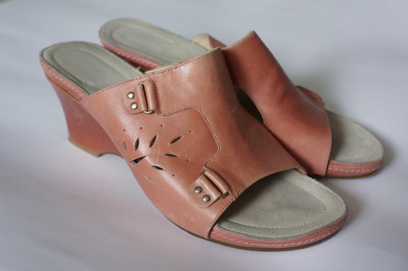 Босоножки на танкетке шлепанцы m.shoes новые в родной коробке