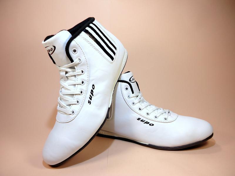 Кроссовки женские, высокие, белые, для бега и тренировок. разм...