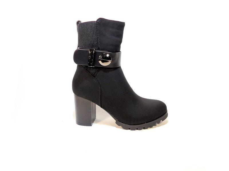 Ботинки-полусапожки, женские, зимние, замшевые, на каблуке. ра...