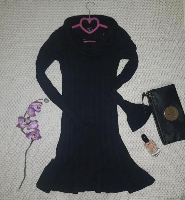 Теплое кашемировое платье по фигуре с воланами comma