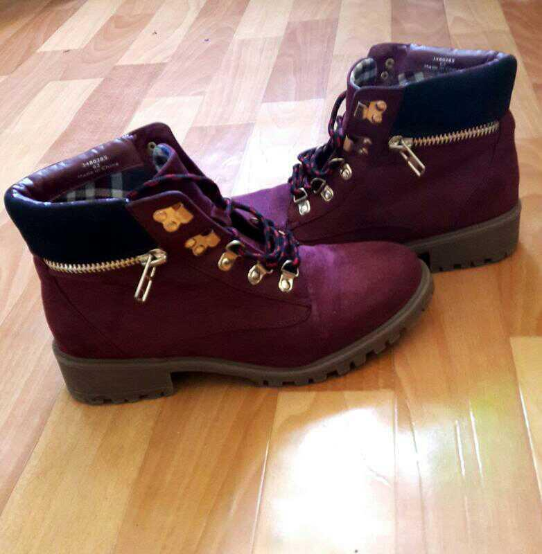 Крутые ботинки бордо на шнуровке от new look