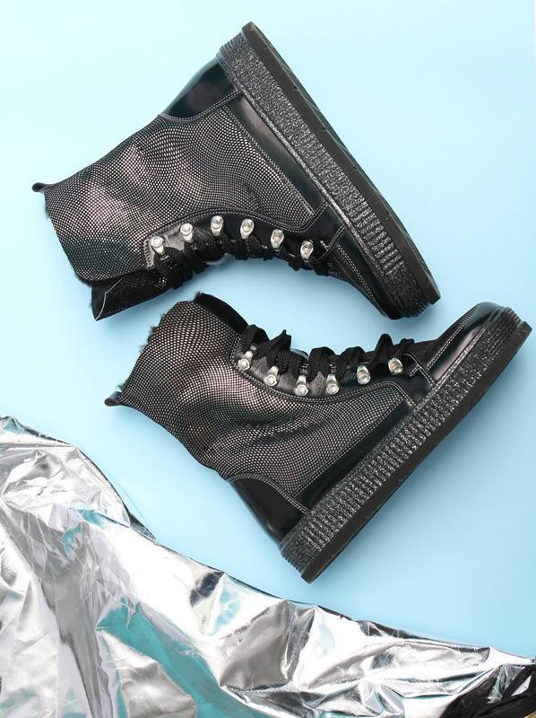 Стильные кожаные женские зимние черные серебристые ботинки на ...