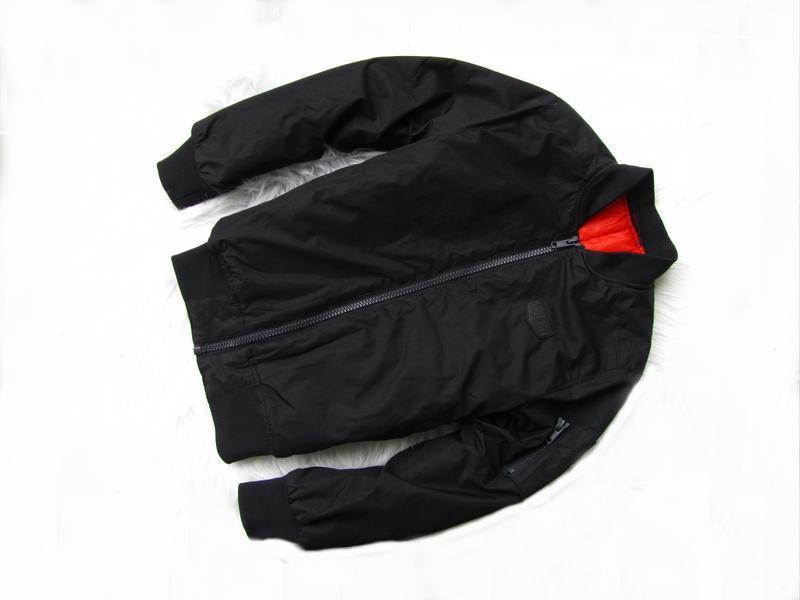 Стильная демисезонная  куртка бомбер kiabi