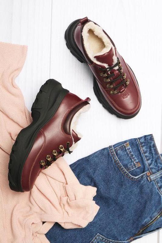 Зимние кожаные женские короткие бордовые ботинки кроссовки нат...
