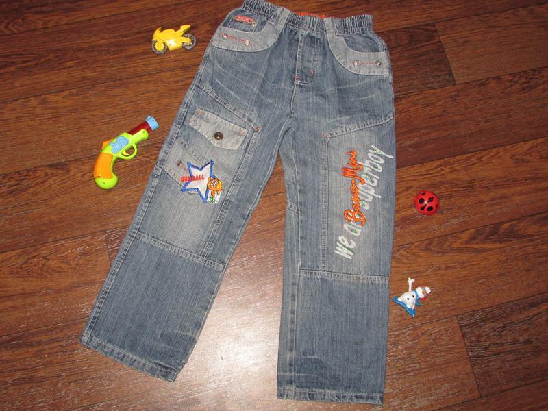Брендовые детские синие джинсы minikids.
