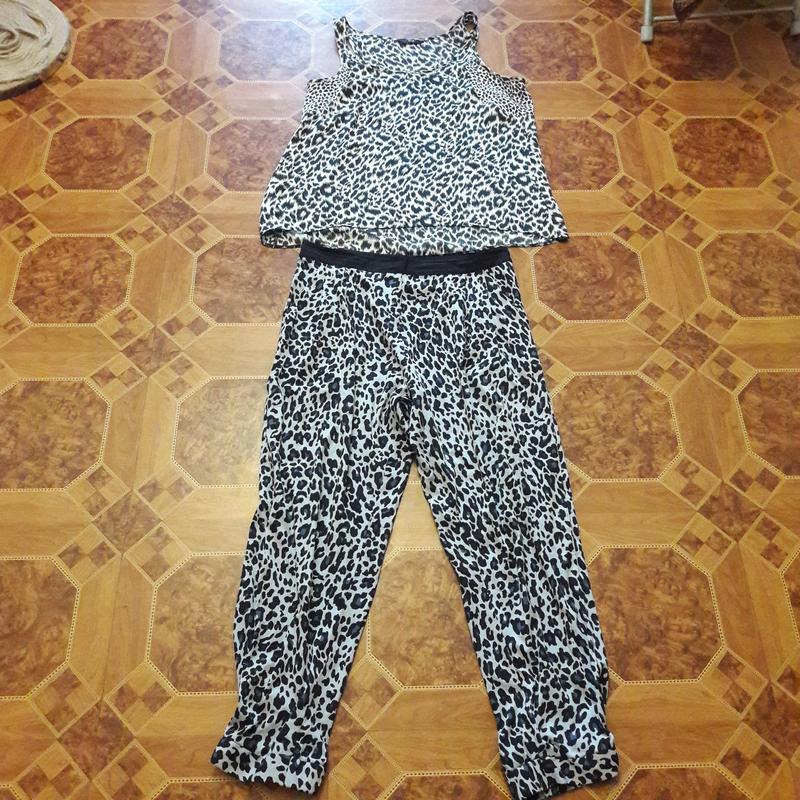 Стильный летний костюм 48р евро 14 размер