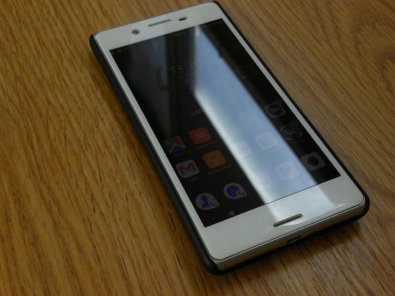 Sony Xperia X (3/64 Gb, 6 ядер) Silver, Snapdragon 650