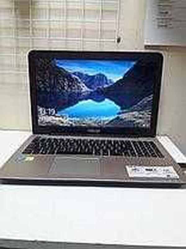Продам Ноутбук Asus X555L с зарядкой