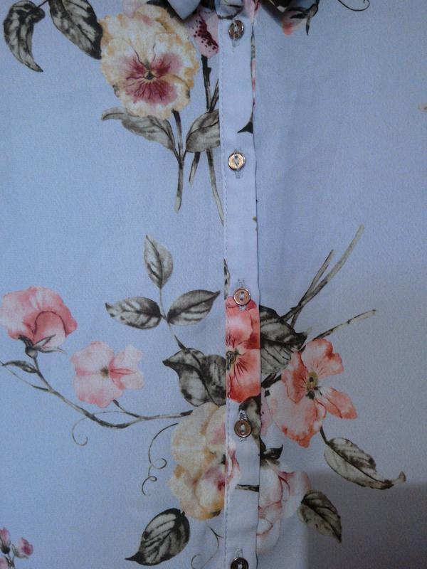 Красивая блузка в цветах george