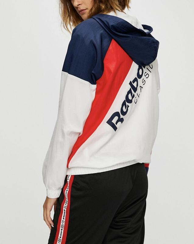 Ветровка, мастерка, куртка с капюшоном от reebok оригинал новая