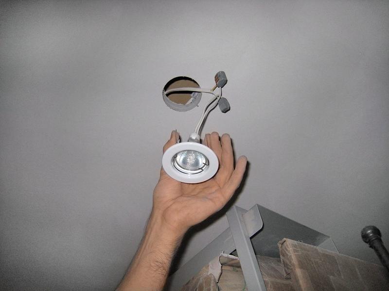 Установка и ремонт светильников. Демонтаж Электрооборудования