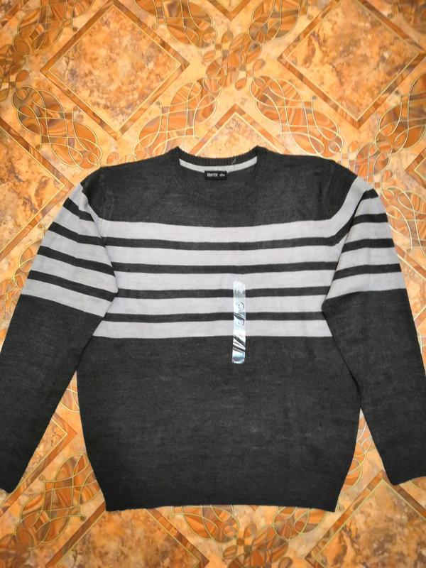 Новый мужской свитер, размер 52/54.