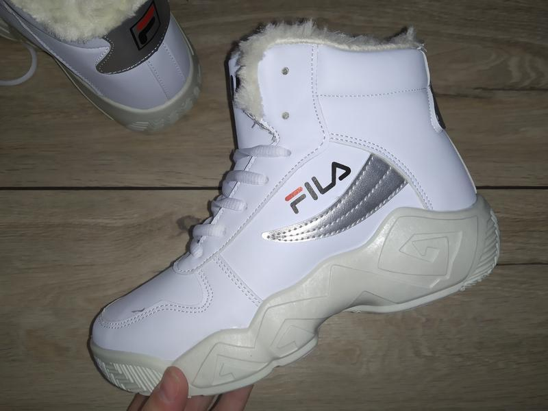 Теплые спортивные ботинки зима жіночі полуботинки
