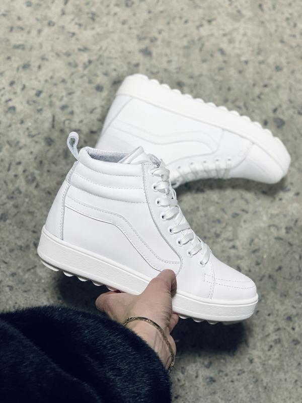 Классные женские кожаные зимние ботинки