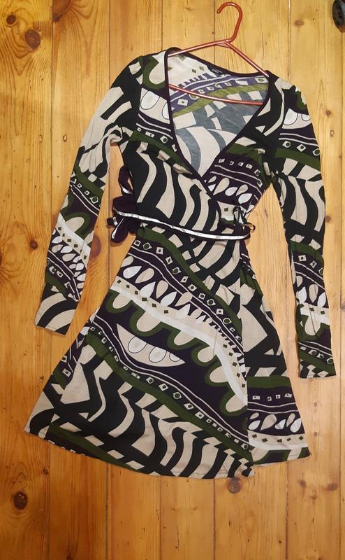 Шикарное платье на запах