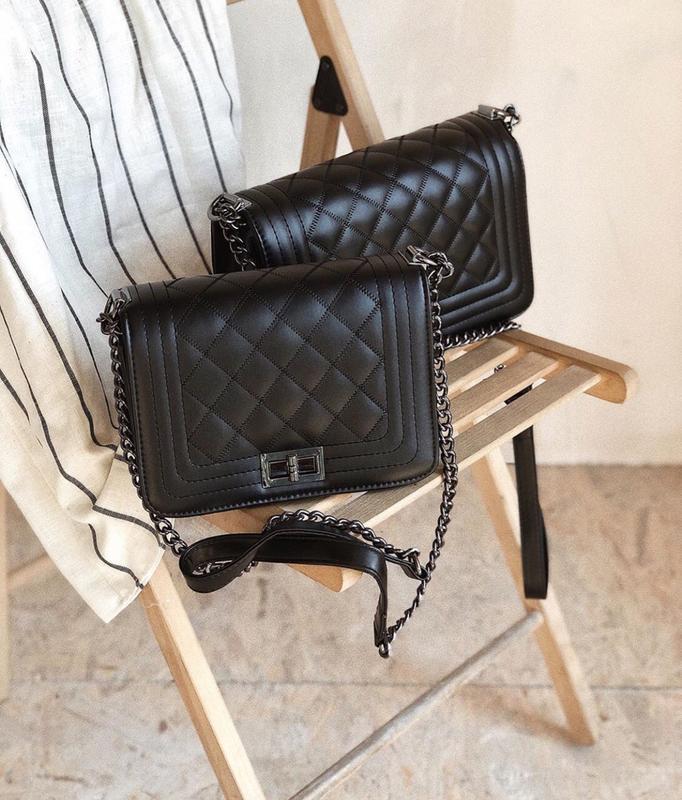 Матовая сумка клатч