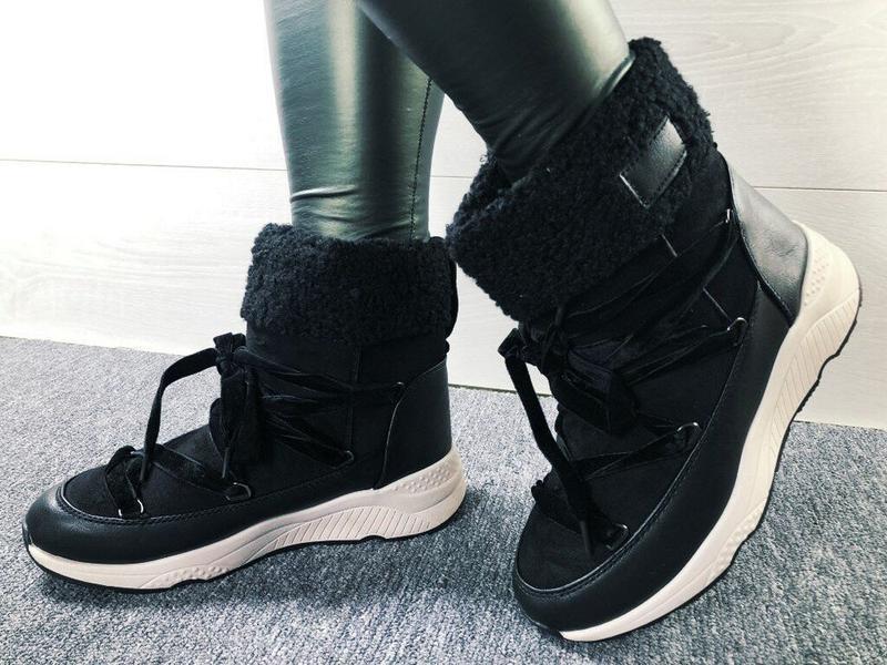 Утепленные ботинки 39 размер. стелька 24,5см.
