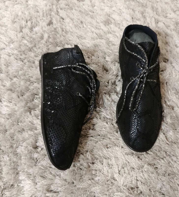 Туфлі-мокасини pataugas нат.замш р.37. більшомірять.