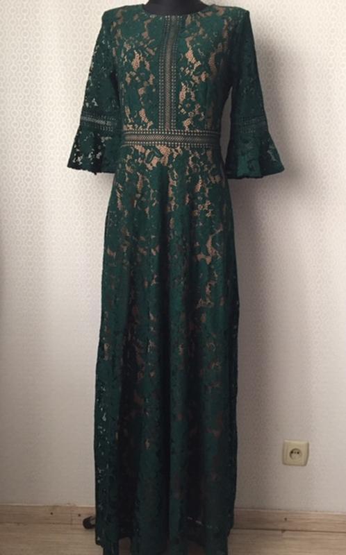 Невероятноее нарядное кружевное  длинное платье в пол размер м...