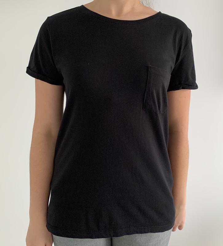 Футболка чорна, жіноча, трендова футболка, базова футболка.