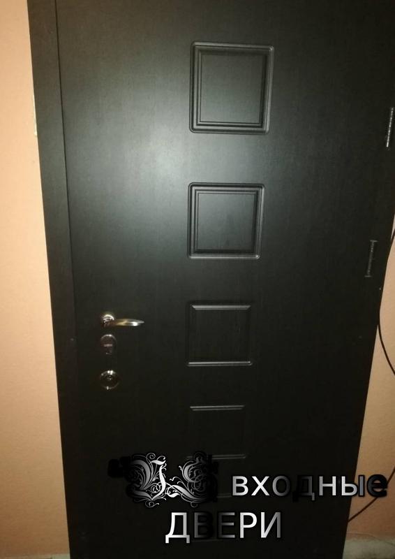Производим входные двери
