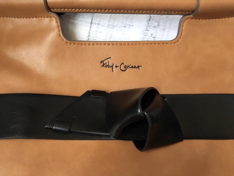 Стильная сумка от дизайнерского бренда foley+corinna - Фото 2