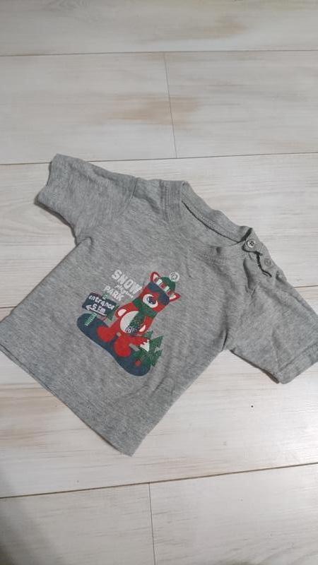 Стильная футболка с мишей -сноубордистом на 3-6 мес early days
