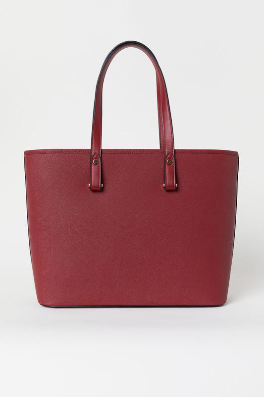 Актуальная сумка цвета бордо h&m