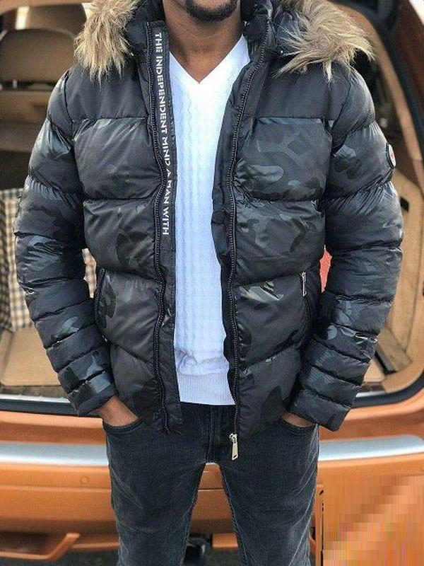 Крутая зимняя куртка!турция..иссиня-черного цвета!