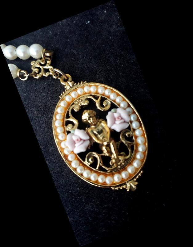 Винтажное ожерелье с медальоном + подарок