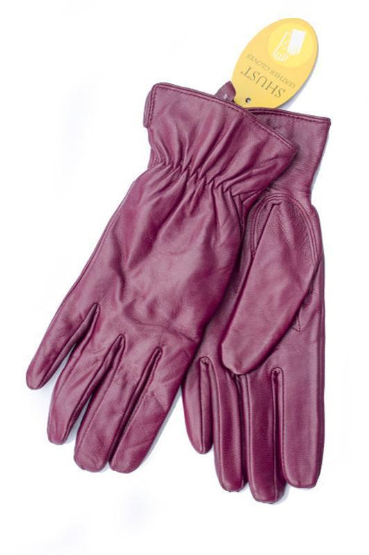 Кожаные перчатки в оригинальном цвете