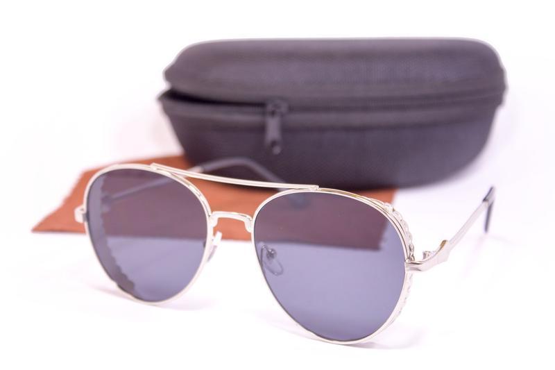 Оригинальные очки с футляром