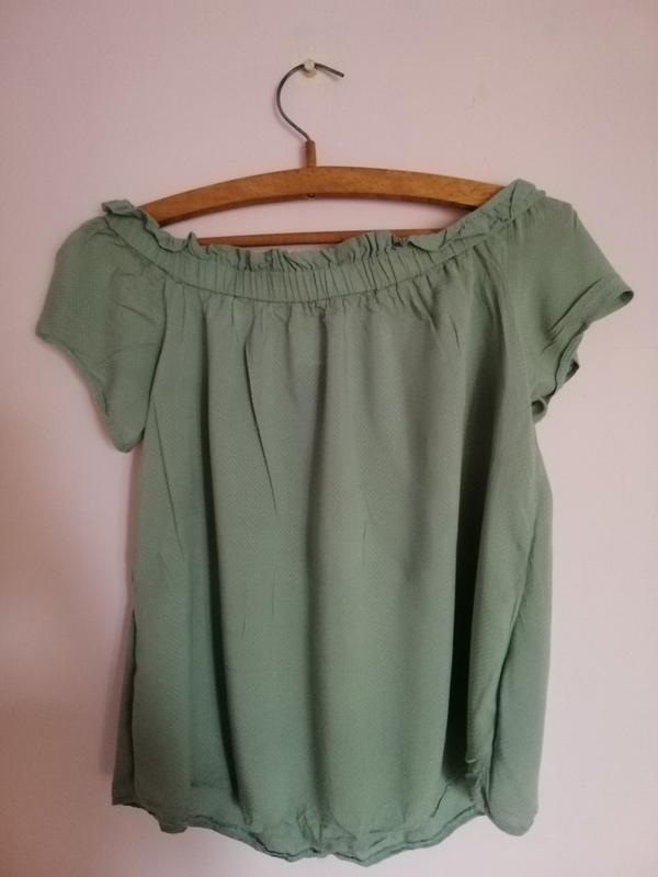 Блуза з відкритими плечима / блуза с открытыми плечами