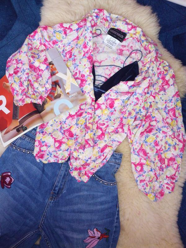 Блуза в квіти з рукавами воланами /  рубашка в цветы с воланами