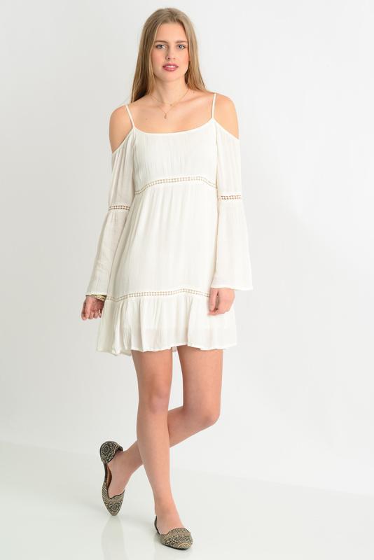 Белое, летнее, пляжное платье с открытыми плечами