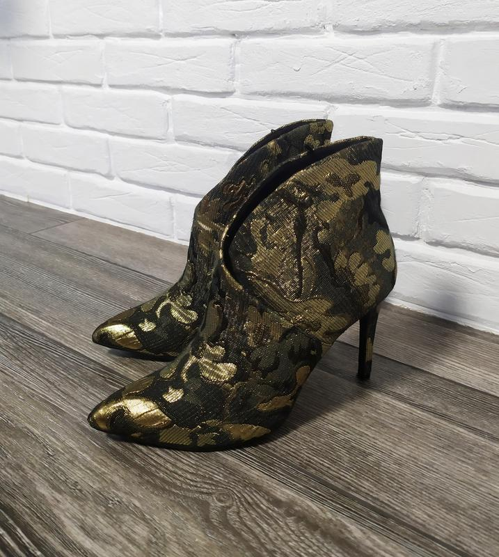 Стильные ботинки лодочки ботильоны
