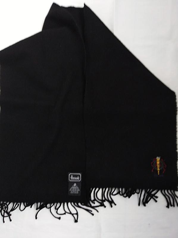 Мягкий и  теплый  шарф  100%  шотландская  шерсть harrods.