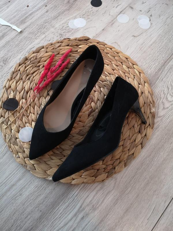 Нові туфлі лодочки bershka