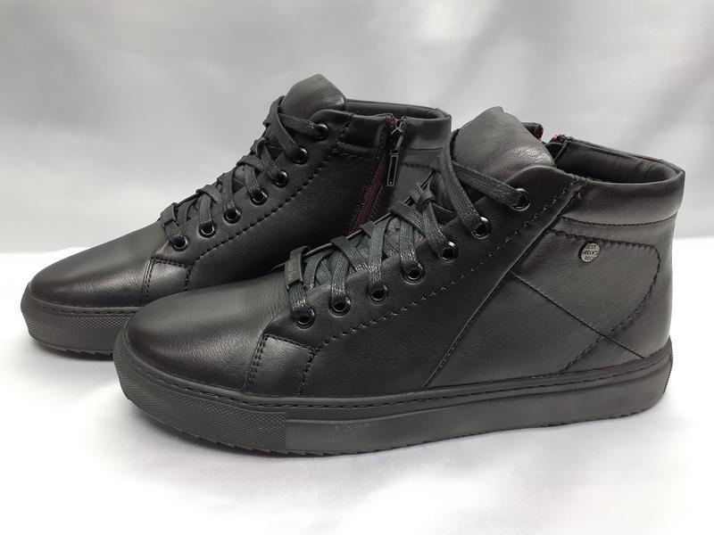 Зимние кожаные ботинки под кеды на молнии rondo