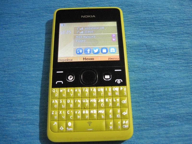 Телефон Nokia Asha 210.2 RM-928 рабочий отличное состояние