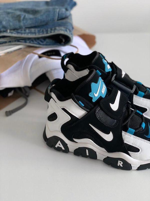 Шикарные женские кроссовки nike air barrage mid black white ca...