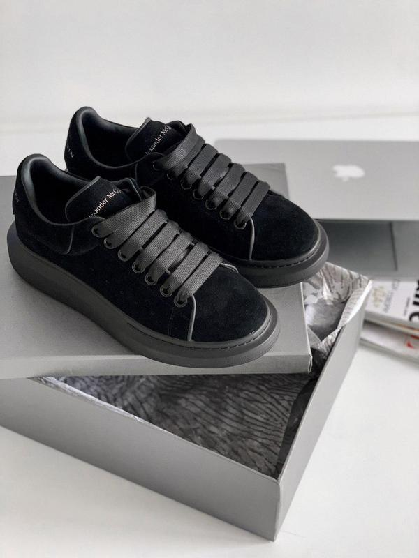 Женские кроссовки alexander mcqueen sneaker suede triple black...