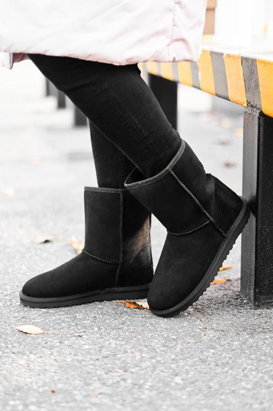 Ugg short ii black натуральные женские зимние сапоги угги чёрные