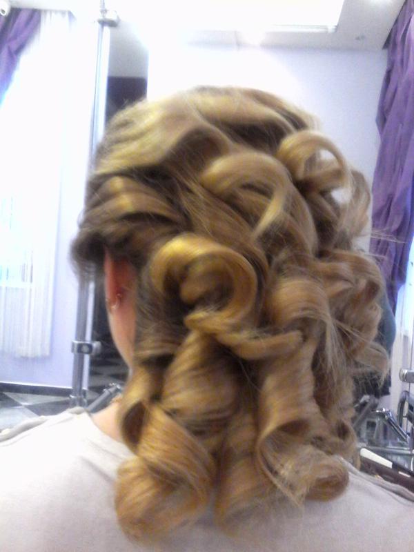 Прическа либо укладка накручивая волосы утюгом, любая длинна, ...