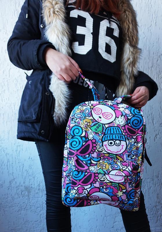 Рюкзак с мультфильмами и граффити